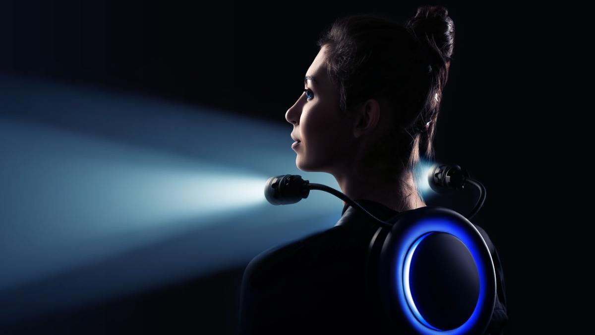 The Tronex sits comfortably on your upper back, giving you two extreme flashlights and a glowing back light for visibility