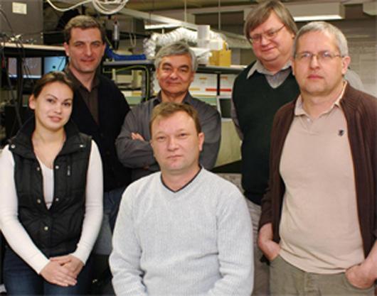 Members of the tractor beam team: Yana Izdebskaya, Anton Desyatnikov, Vladlen Shvedov, Andrei Rode, Yuri Kivshar and Wieslaw Krolikowski (Image: Tim Wetherell)