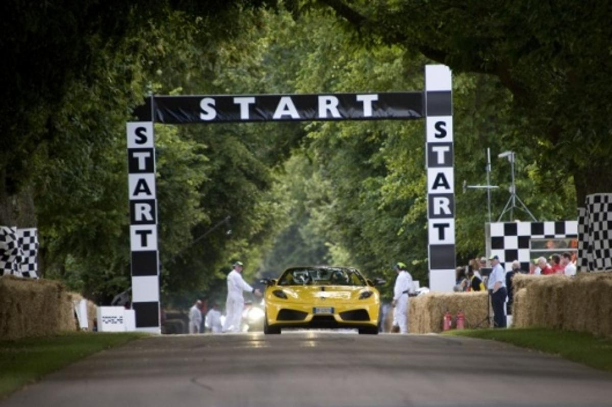 Goodwood Festival of Speed 2009: the Ferrari Scuderia Spider 16M takes on the 1.16 mile hillclimb in under a minute