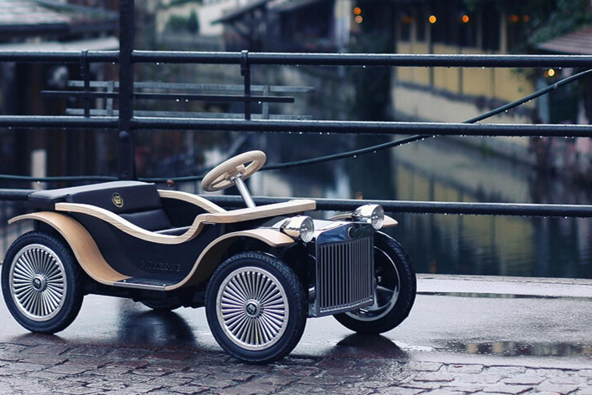 The D.Throne is a toy car for wealthy young kids