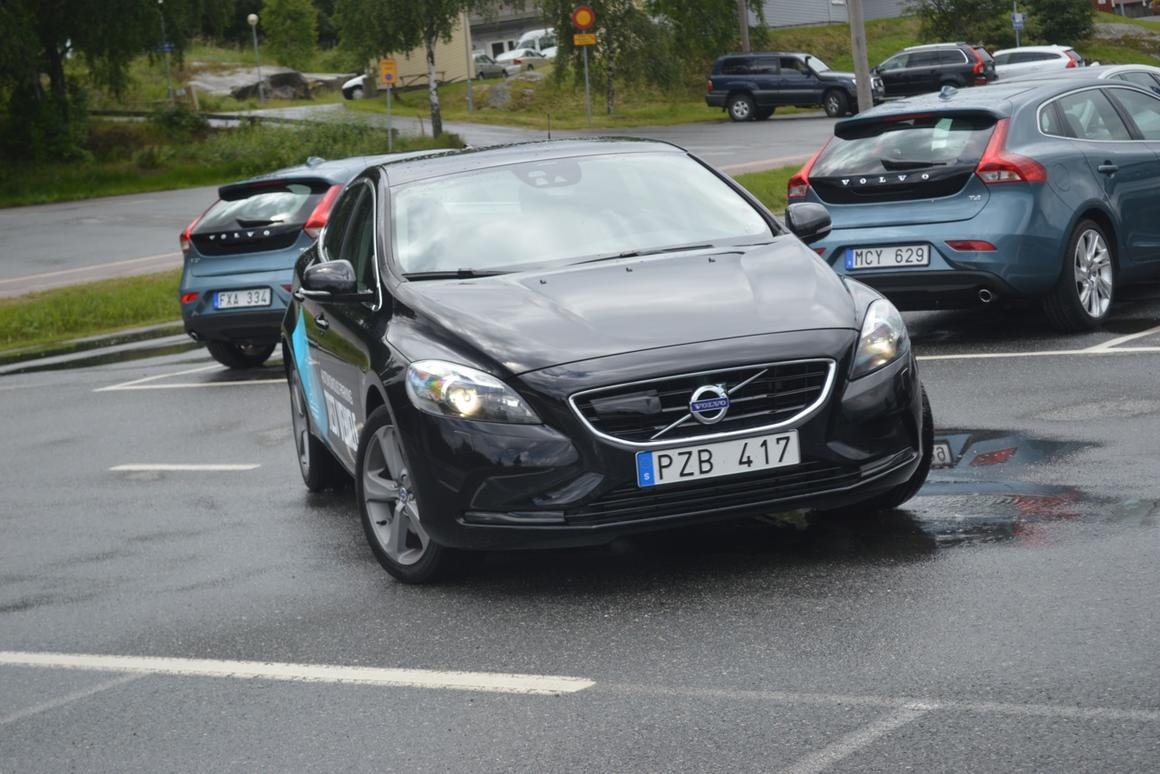 Fact: no one is driving this car (Photo: Gizmag)