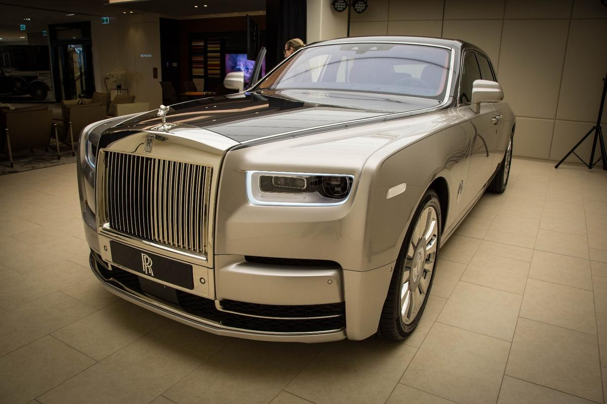 The nose of the new Rolls-Royce Phantom