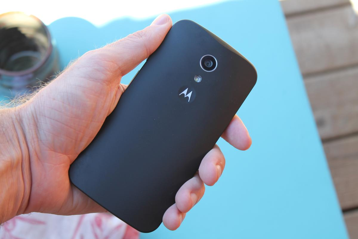 The new Moto G is more of a handful (Photo credit: Eric Mack / Gizmag)