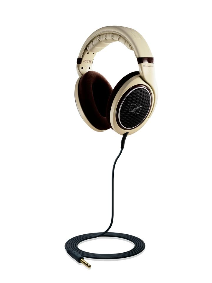 Sennheiser's HD 598 keeps the Ergonomic Acoustic Refinement technology of its predecessor but benefits from a sophisticated new look