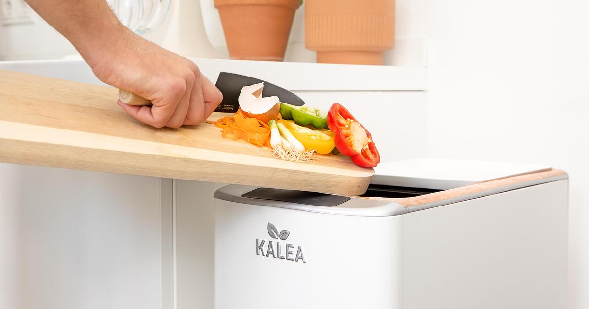 Kitchen gadget converts food scraps to compost in a claimed 48 hours