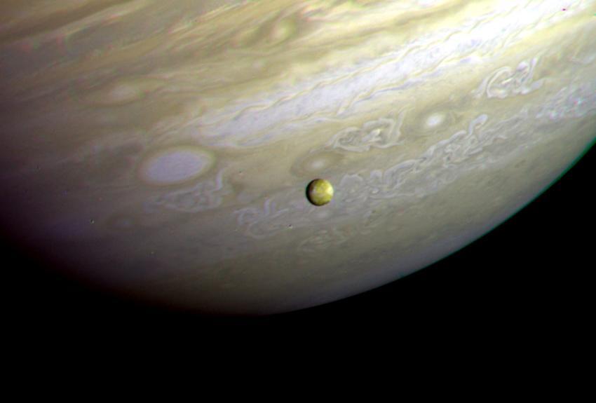 Jupiter and Io as imaged by NASA's Voyager 2 Spacecraft (Image: NASA)