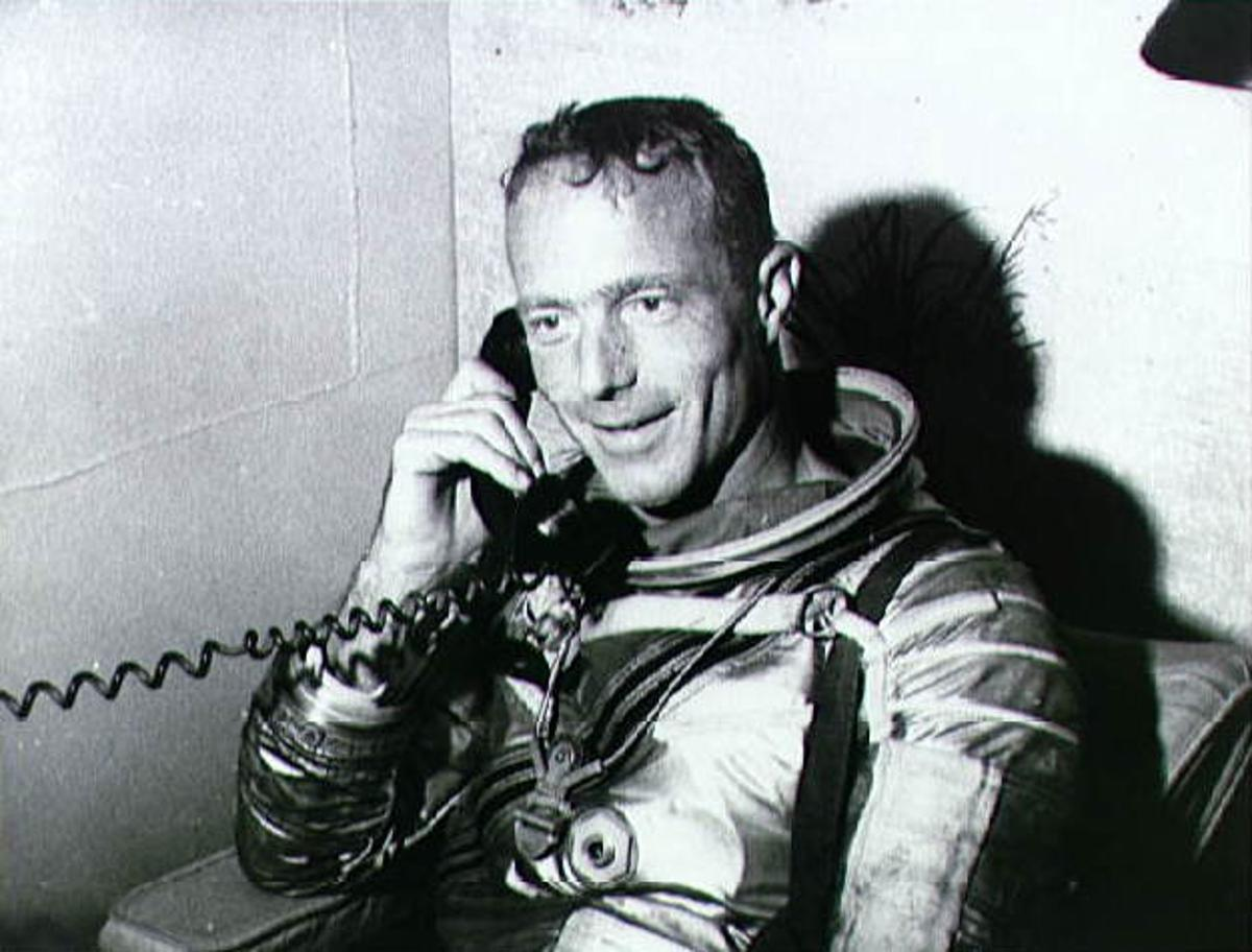 Scott Carpenter on the phone with President John F Kennedy after the Aurora 7 mission (Image: NASA)