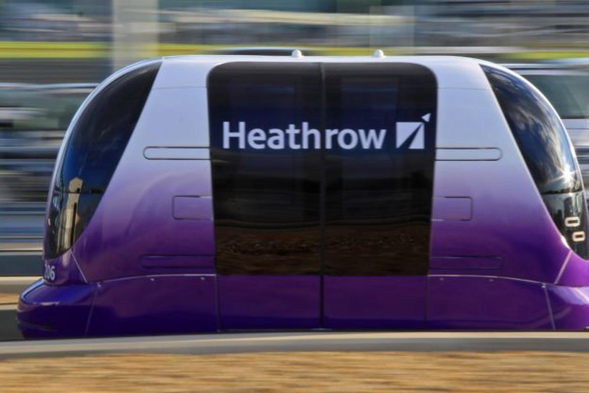 Designed by UK-based company ULTra PRT, the system consists of 22 podcars, operating on 2.4 miles (3.86 km) of track