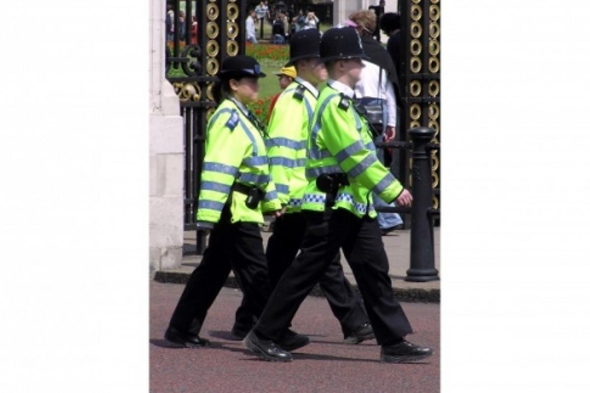 A prototype scanner developed by British scientists could free police from the time-consuming and often dangerous practice of stop and search