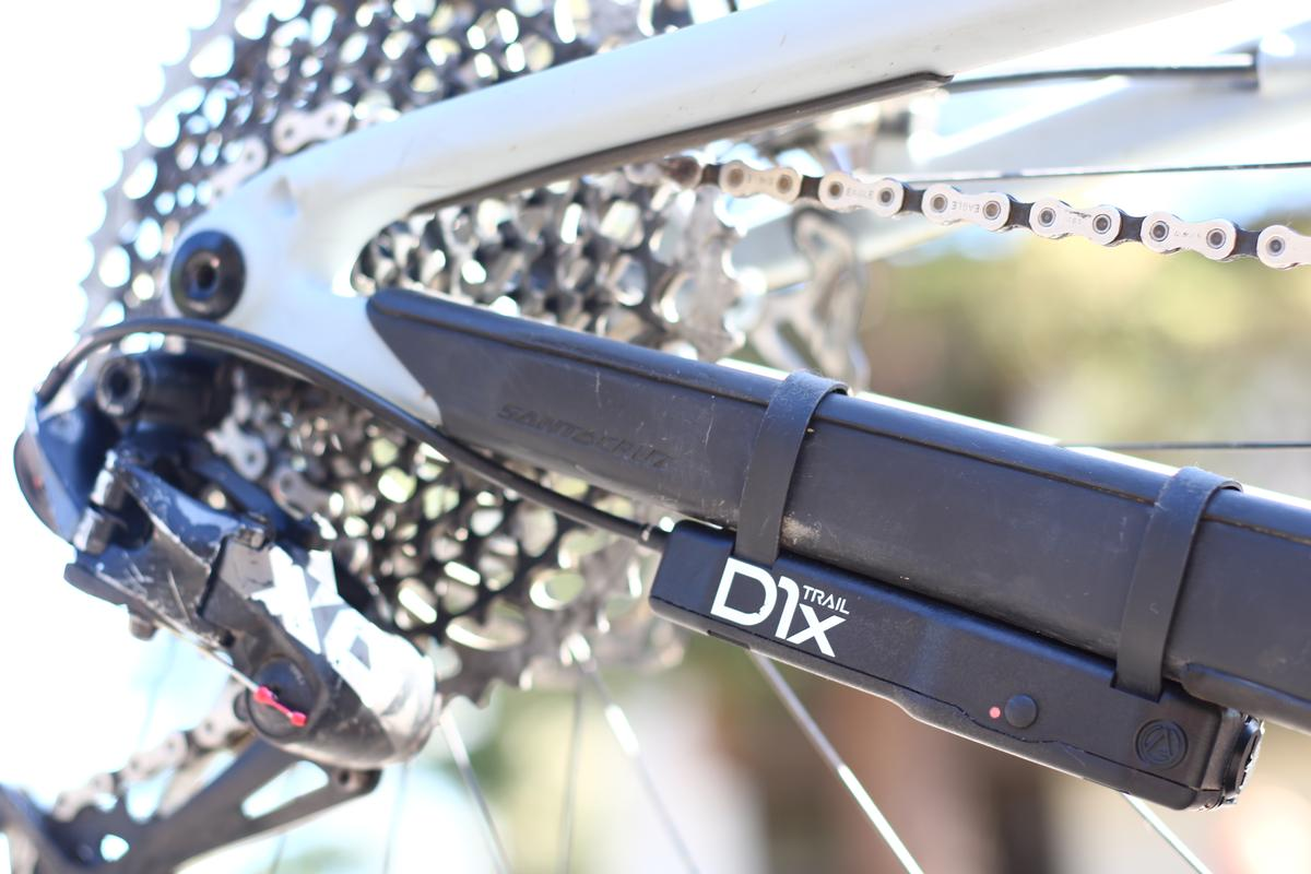 The D1x Trail shifter module is mounted on the drive-side chainstay