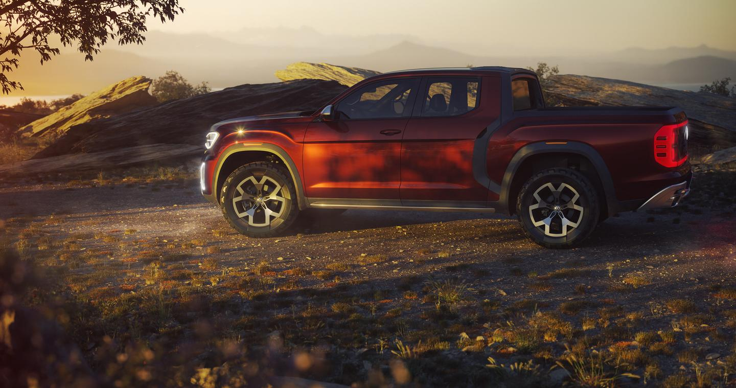 Powered by VW's 3.6-liter V6 engine pumping out 276 hp and 266 pound-feet of torque, the Tanoak pickup can complete the 0-60 mph (0-96 km/h) sprint in 8.5 seconds