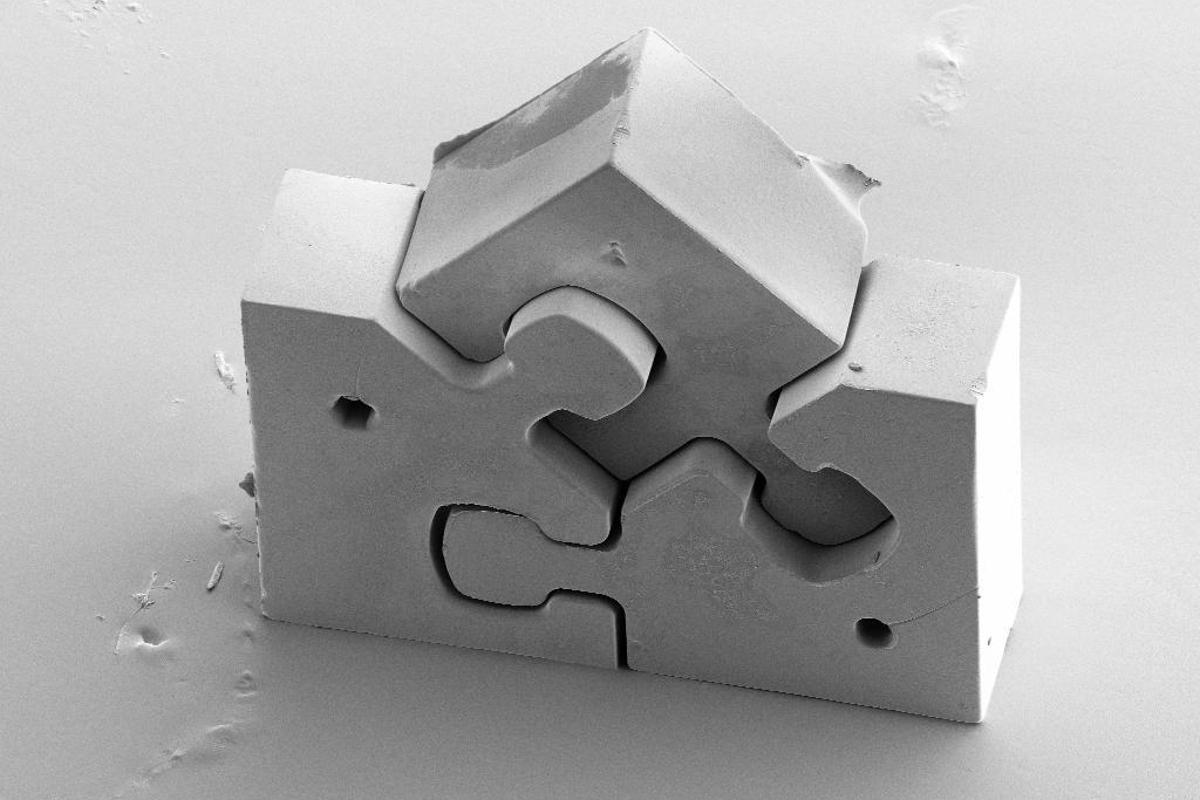 The LIGA2.X jigsaw puzzle (Image: Jochen Heneka, KIT)