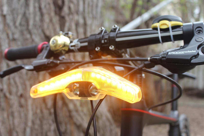 The Blinkers headlight, in Emergency mode