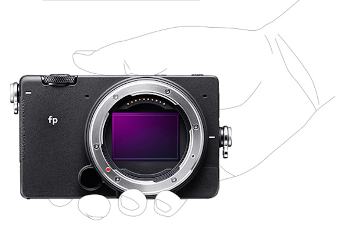 The Sigma fp has a body-only weight of just 370 g, and dimensions of 11.3 x 7 x 4.5 cm