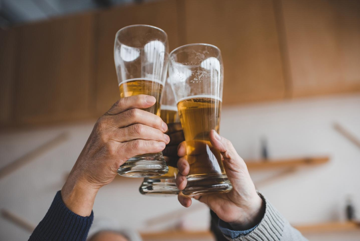 A new process uses electromagnetic radiation to selectively heat beer and other foods and drink