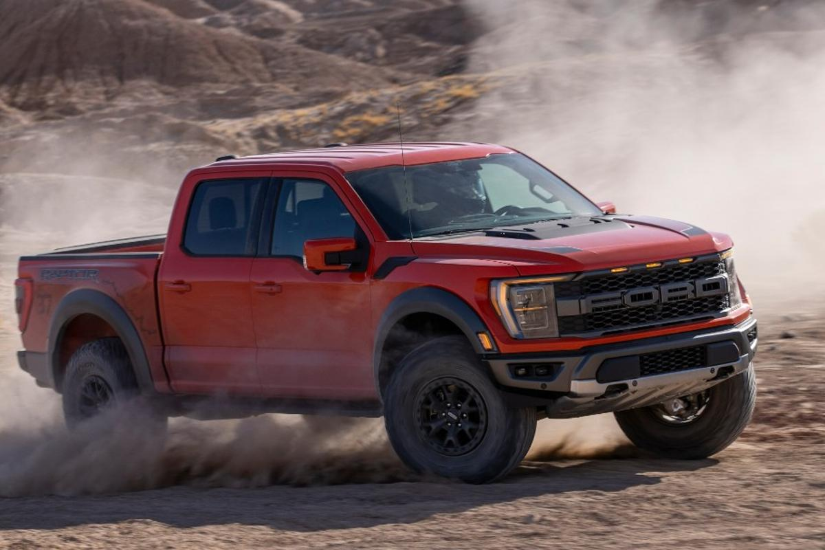 New Ford F-150 Raptor drops into the barren region like a high-tech sandstorm