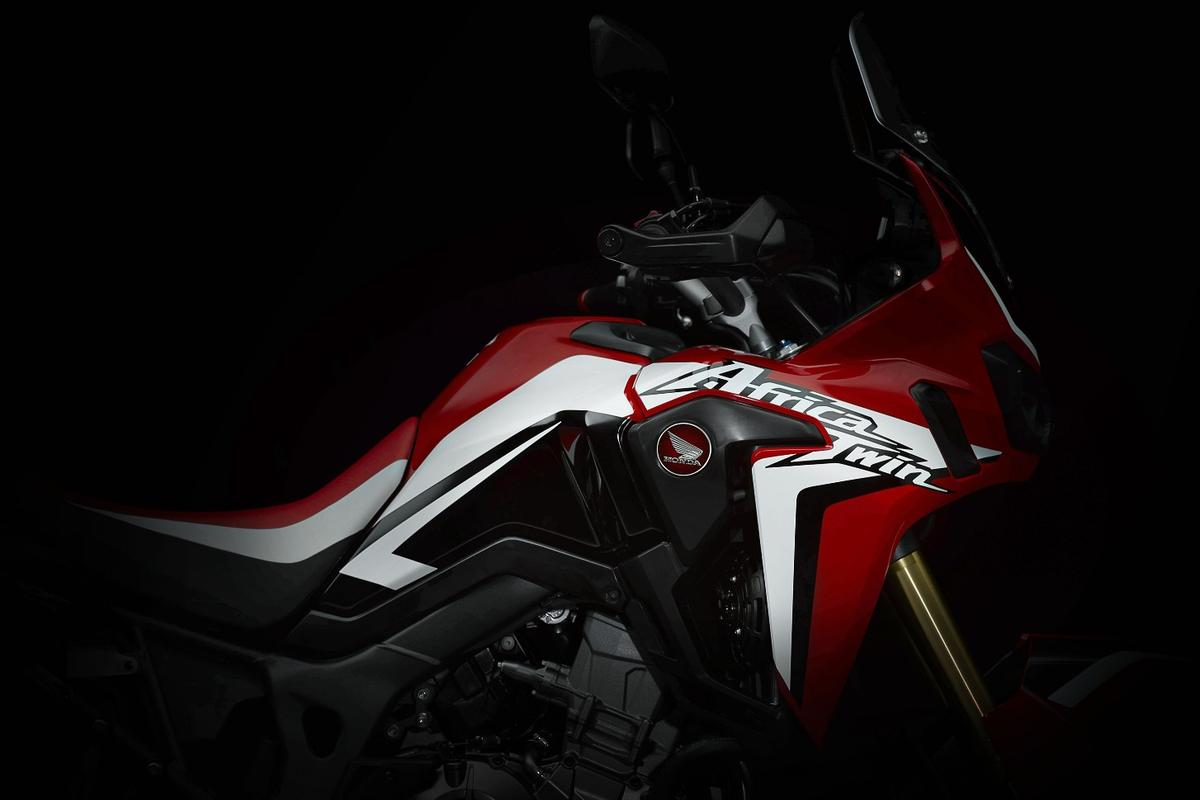 CRF1000L: Honda has opted for a color scheme and a logo that immediately brings the old XRV750 Africa Twin to mind