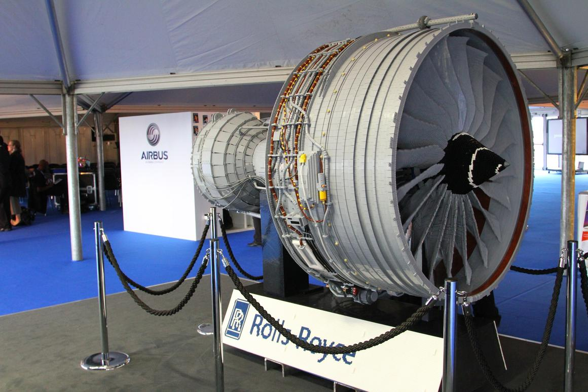 Rolls-Royce's LEGO jet engine is made from 152,455 standard LEGO bricks and parts (Photo: Gizmag)