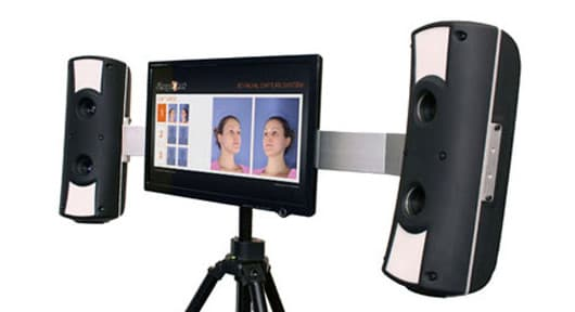 ShapeShot's 3D scan system takes photos of your face from different angles and analyzes them to create a 3D model