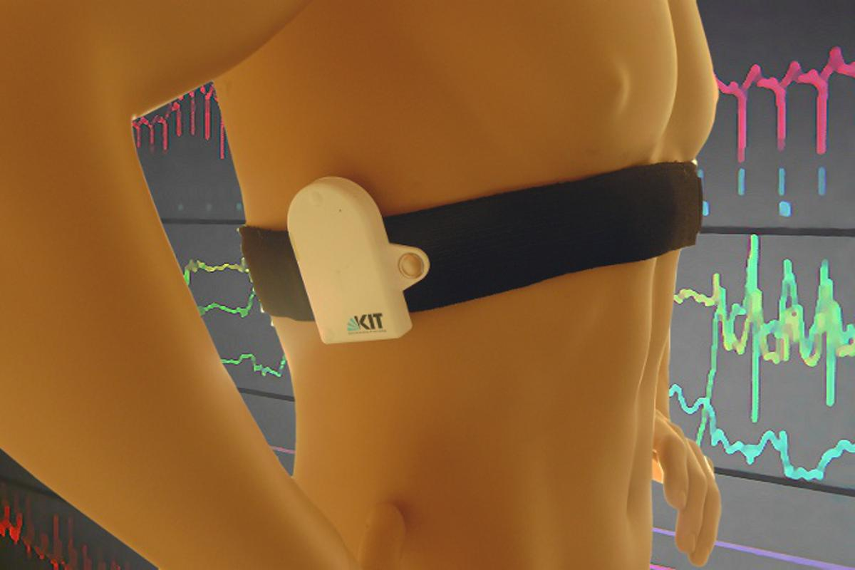The prototype sensor belt developed by researchers at the Karlsruhe Institute of Technology (KIT) can continuously record an ECG for up to six months