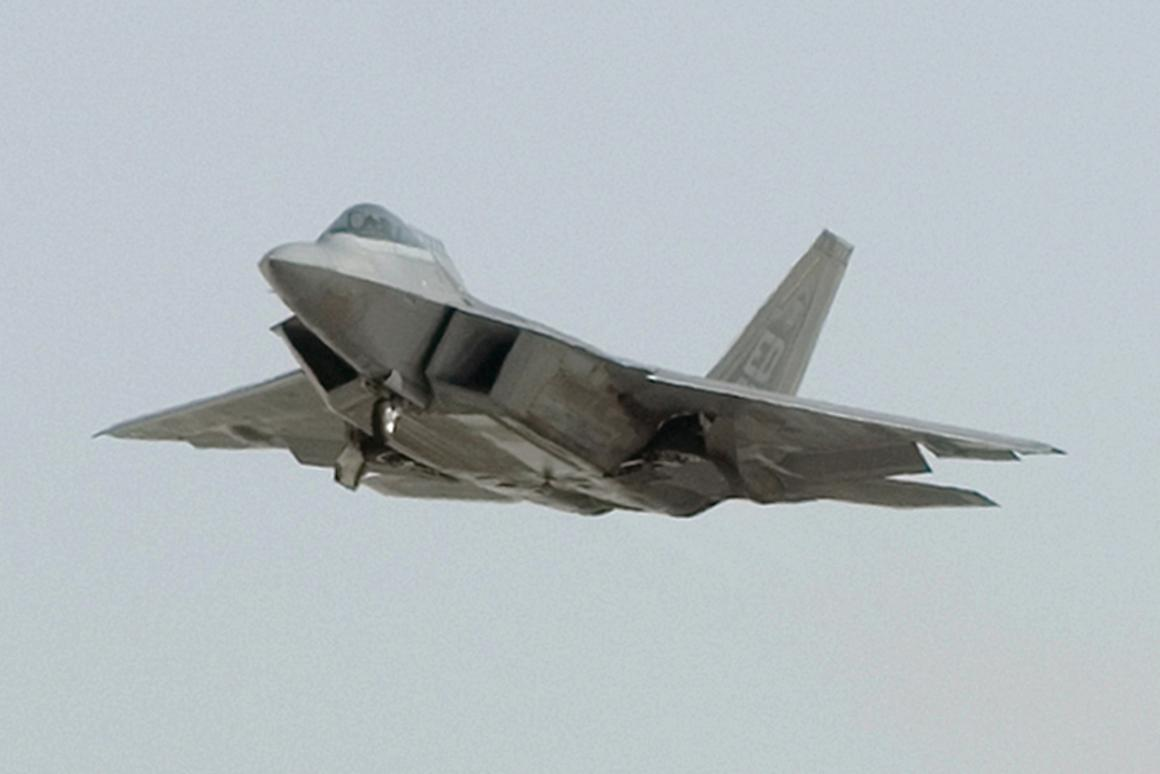 An F-22 Raptor powered by biofuel takes off March 18, 2011, at Edwards Air Force Base, Calif. (Image: U.S. Air Force photo/Kevin North)