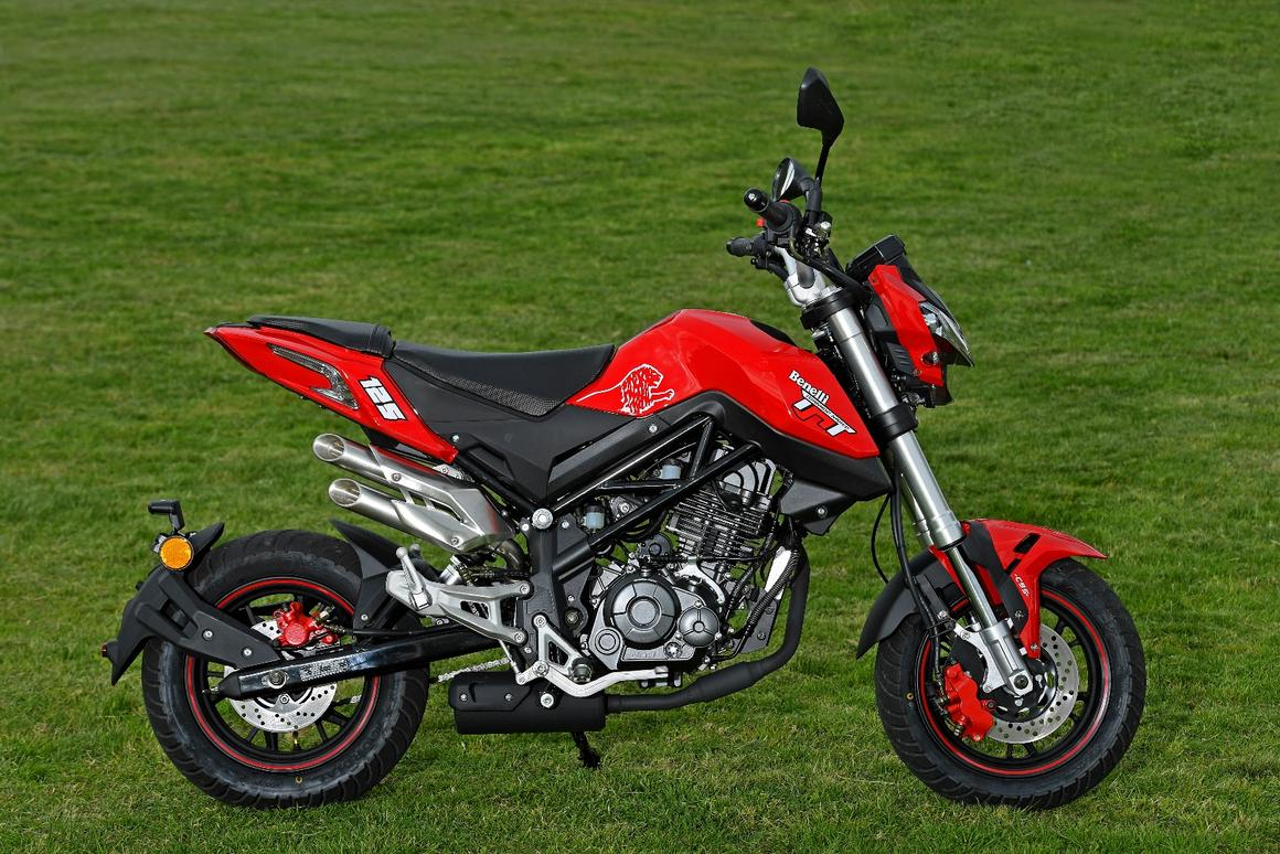 Review: Benelli's TnT125 minibike brings a squirty flower to