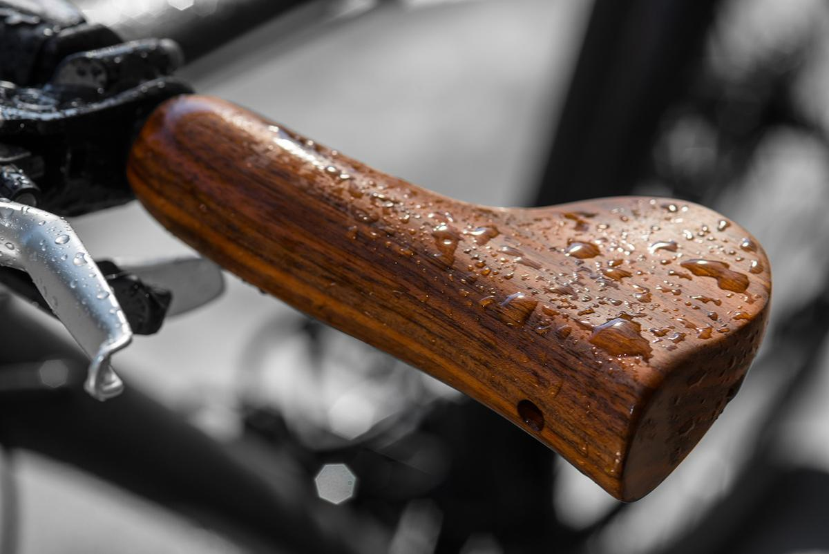 Velospring's Sen Comfort combines rich wood looks and an interesting spring suspension system (Photo: Velospring / Petra Schramböhmer, PS Fotodesign, Munich)