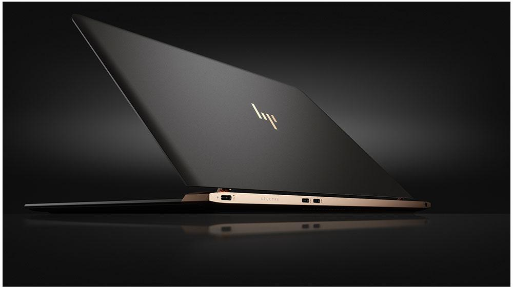 HP has managed to squeeze an Intel Core i5 or i7 processor into the Spectre's 2.45 lb (1,111 g) body