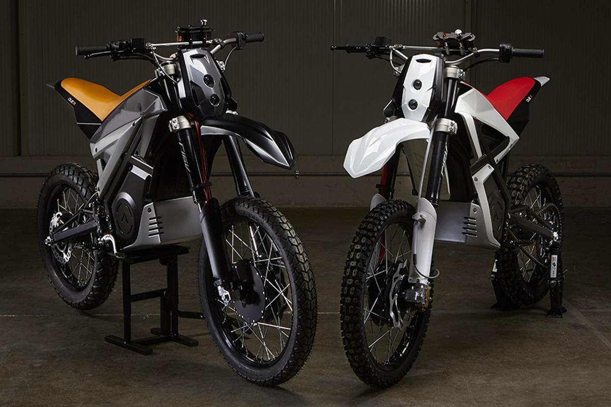 Armotia Due R and X: a pair of Italian off-roaders with 2WD and smartphones where the dash should be.