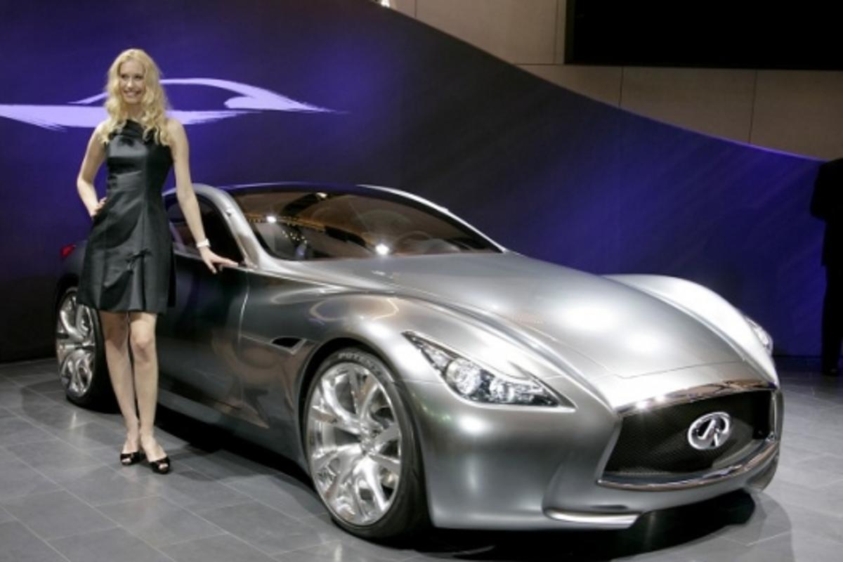 Infiniti Essence Concept car