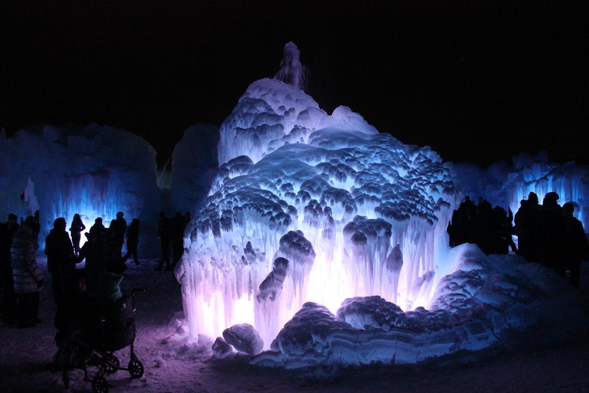 The Edmonton Ice Castle's central fountain