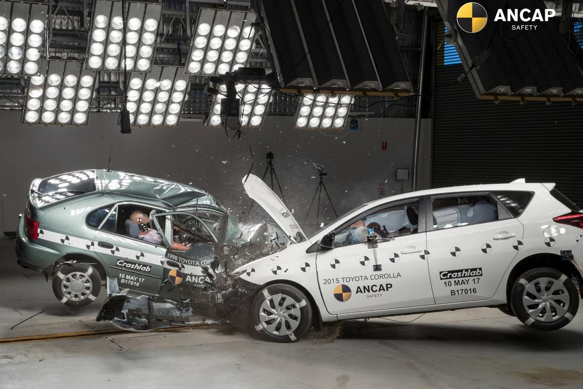 Two Corollas go head-to-head in the ANCAP testing center