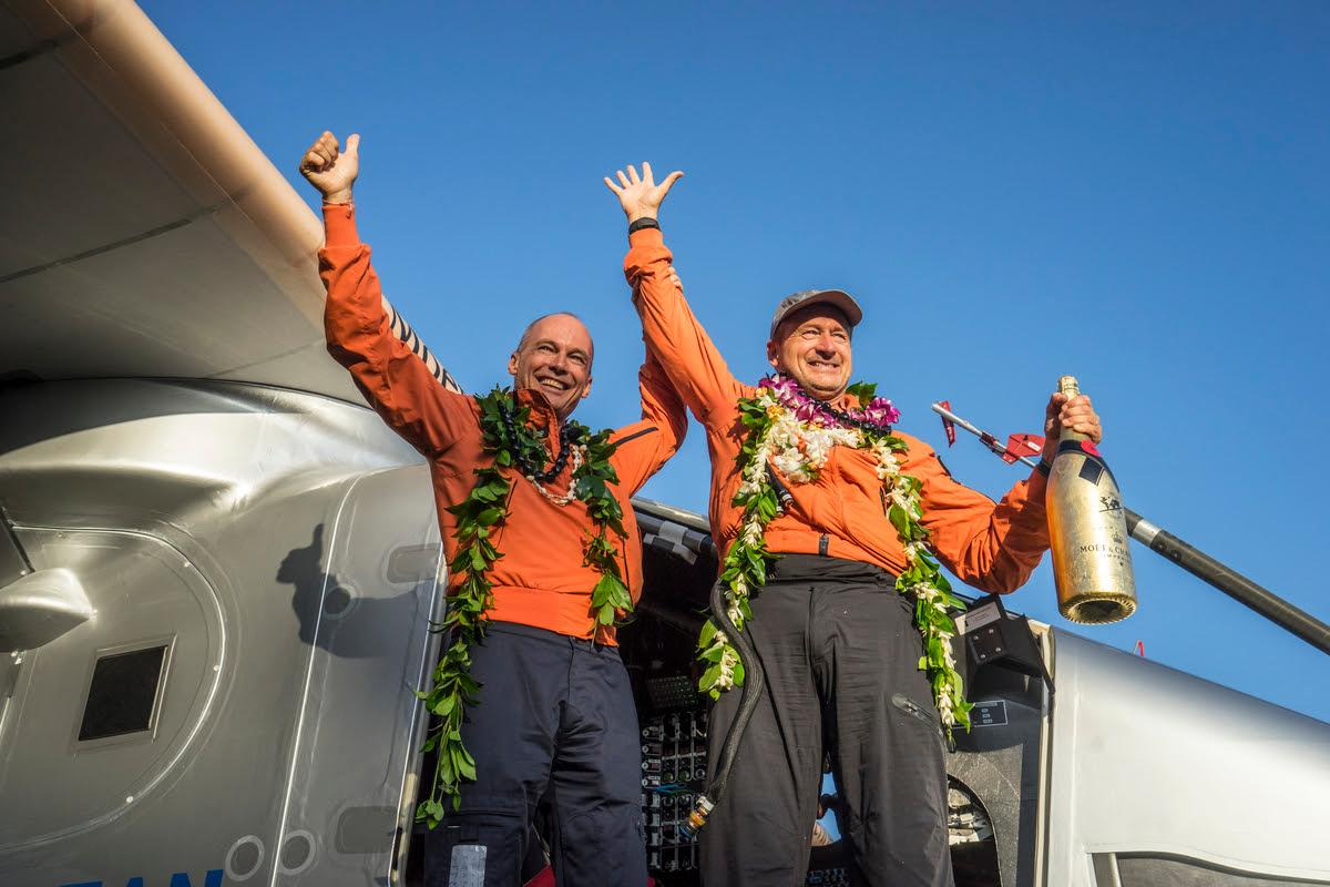 Bertrand Piccard and André Borschberg are reunited in Hawaii