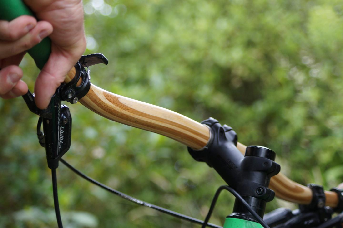 The Gump is made almost entirely of laminated layers of bamboo, with a 31.8-mm carbon fiber sleeve around the middle where it joins the handlebar stem