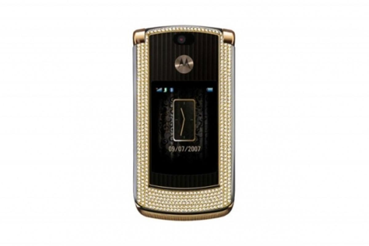 Diamond studded RAZR2 V8
