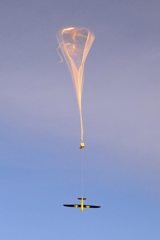 The CICADA-equipped Tempest UAV, being lifted to altitude by a weather balloon