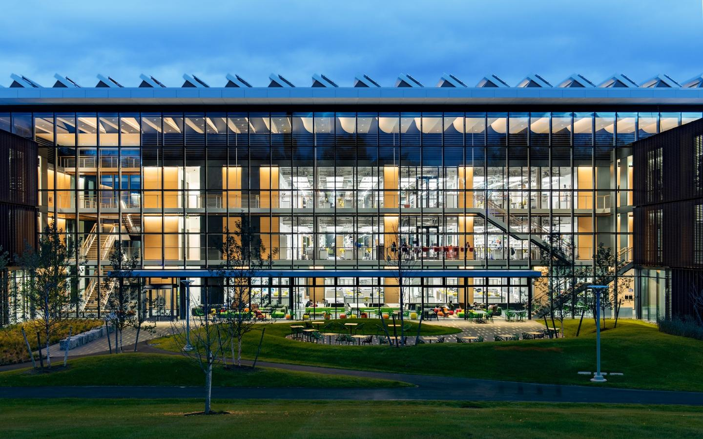 Amherst College New Science Center was designed by Payette andprovides newfacilitiesto support the college's science programs and students