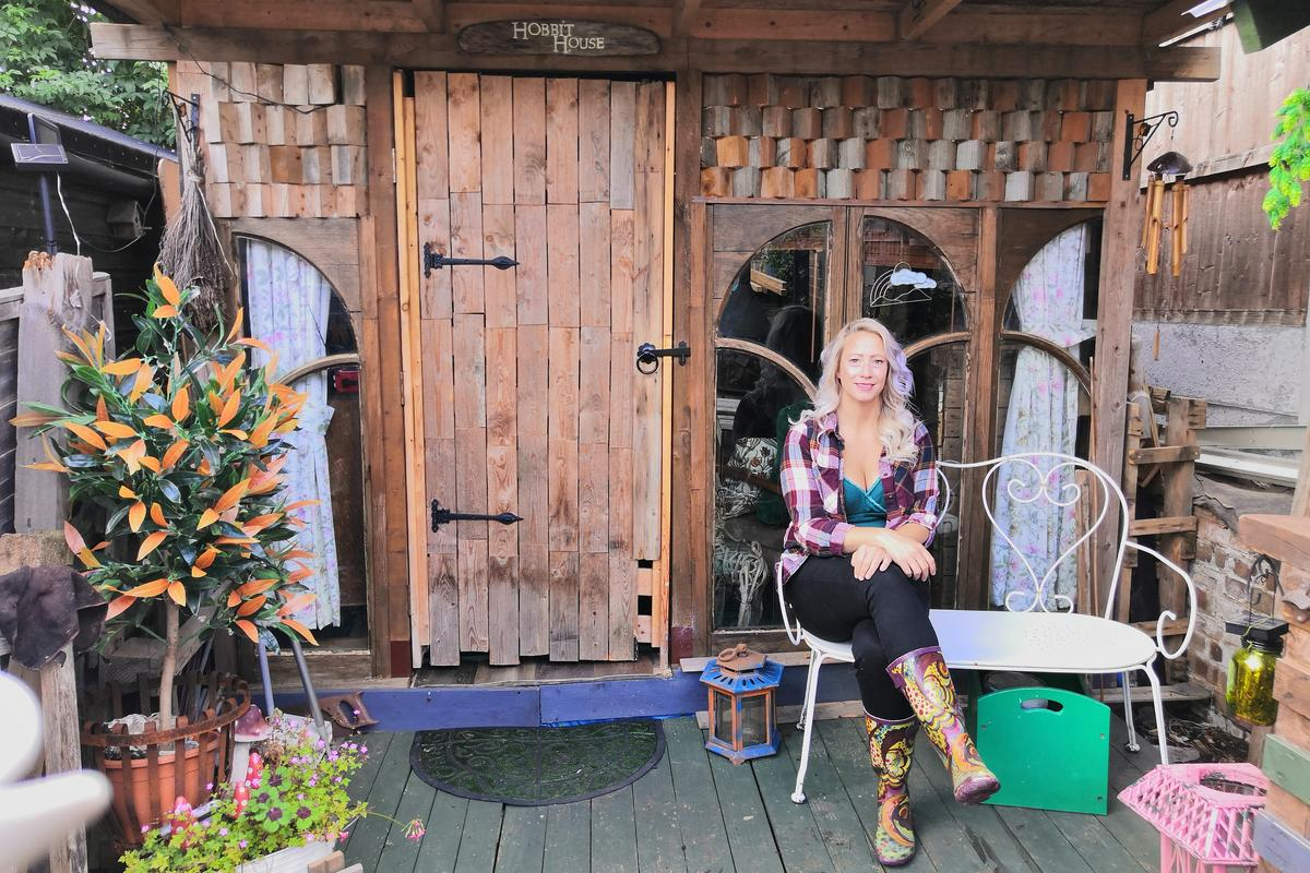 The Budget Pallet Hobbit House, by Julie Twydell, is an area for relaxing that can be turned into a home cinema and was mostly built using recycled materials. The project is a finalist in the Budget category