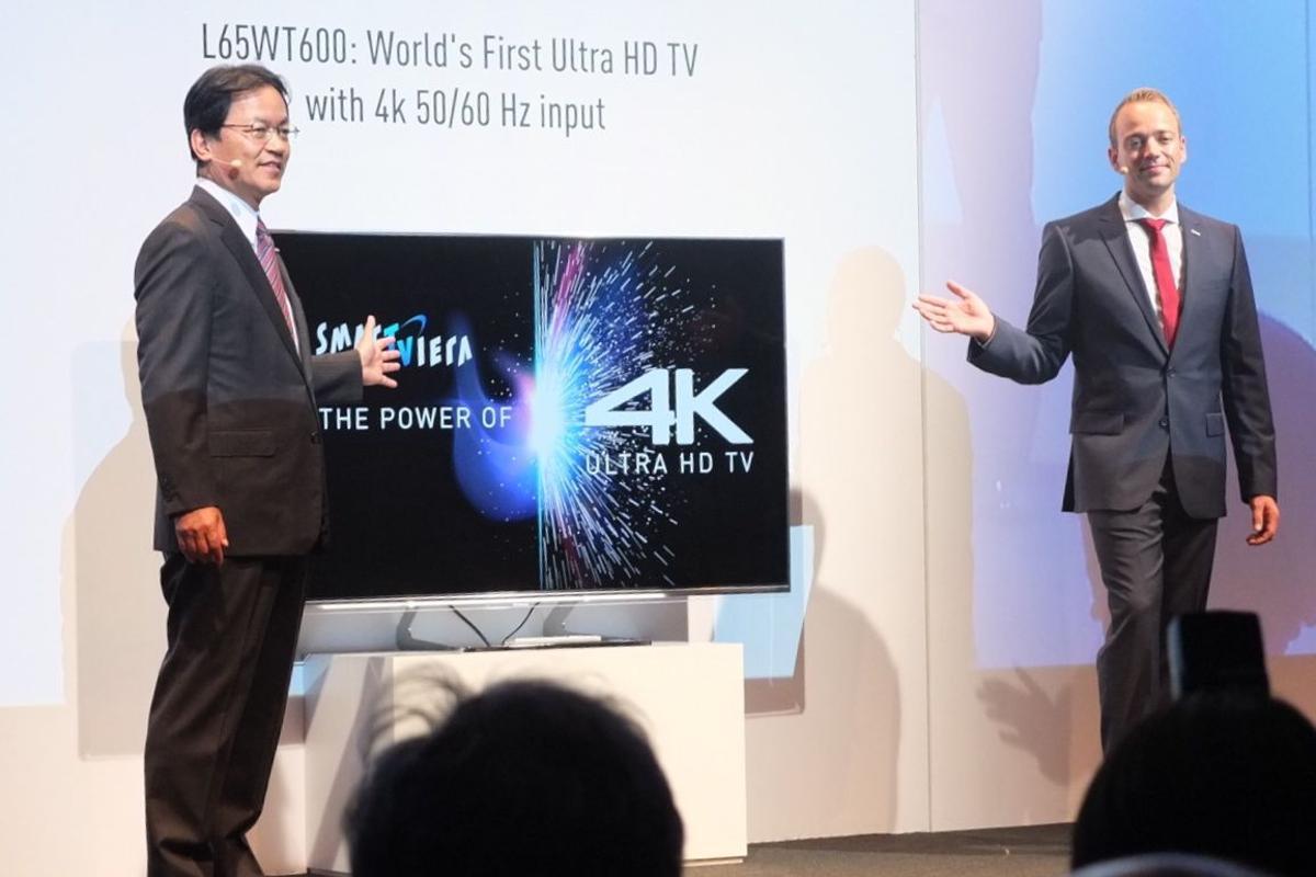 Yoshiyuki Miyabe and Markus Wagenseil unveil the VIERA WT600 at IFA 2013