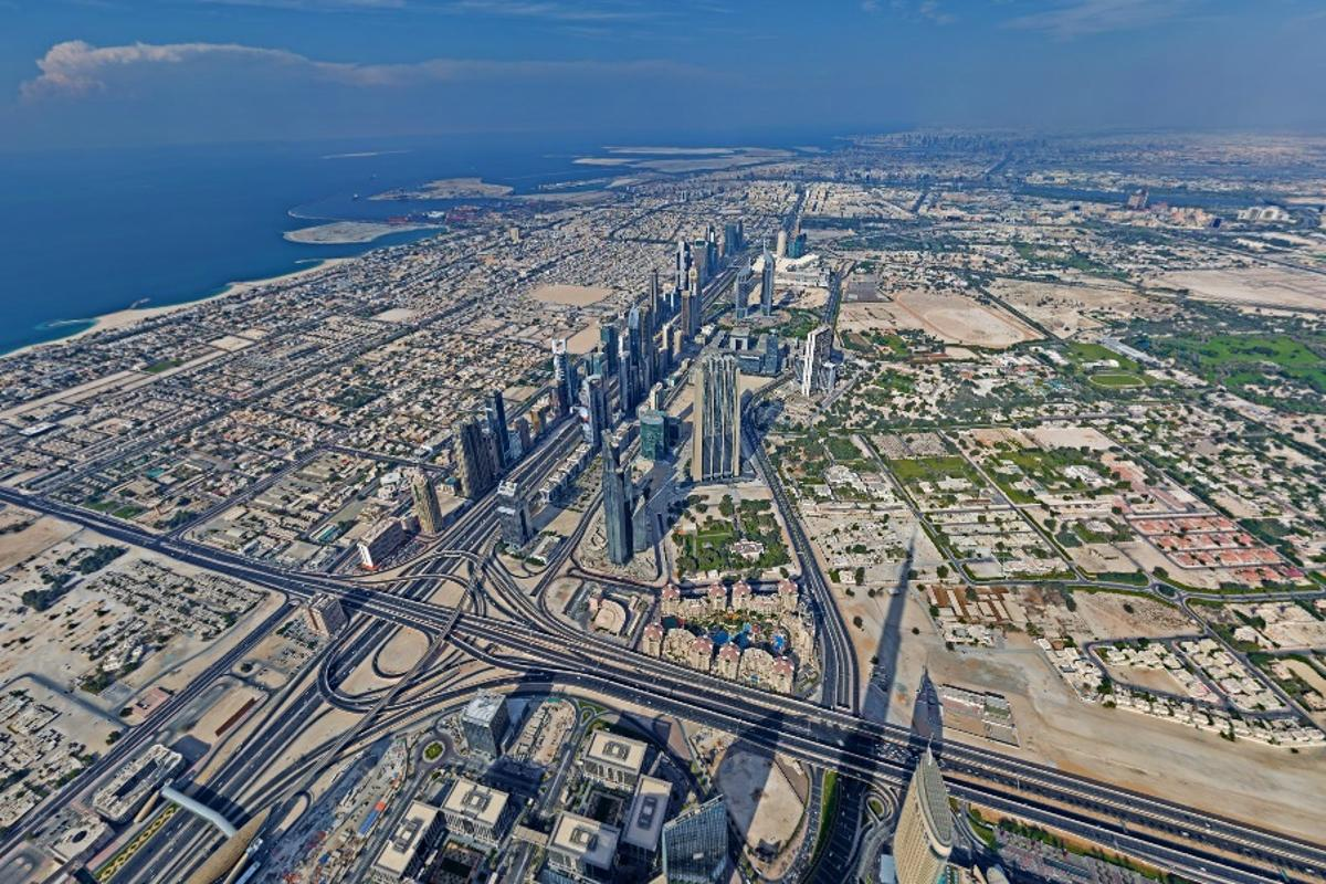 A photographer recently composed a stunning 360 degree panorama image from on top of the Burj Khalifa in Dubai, the tallest building on Earth