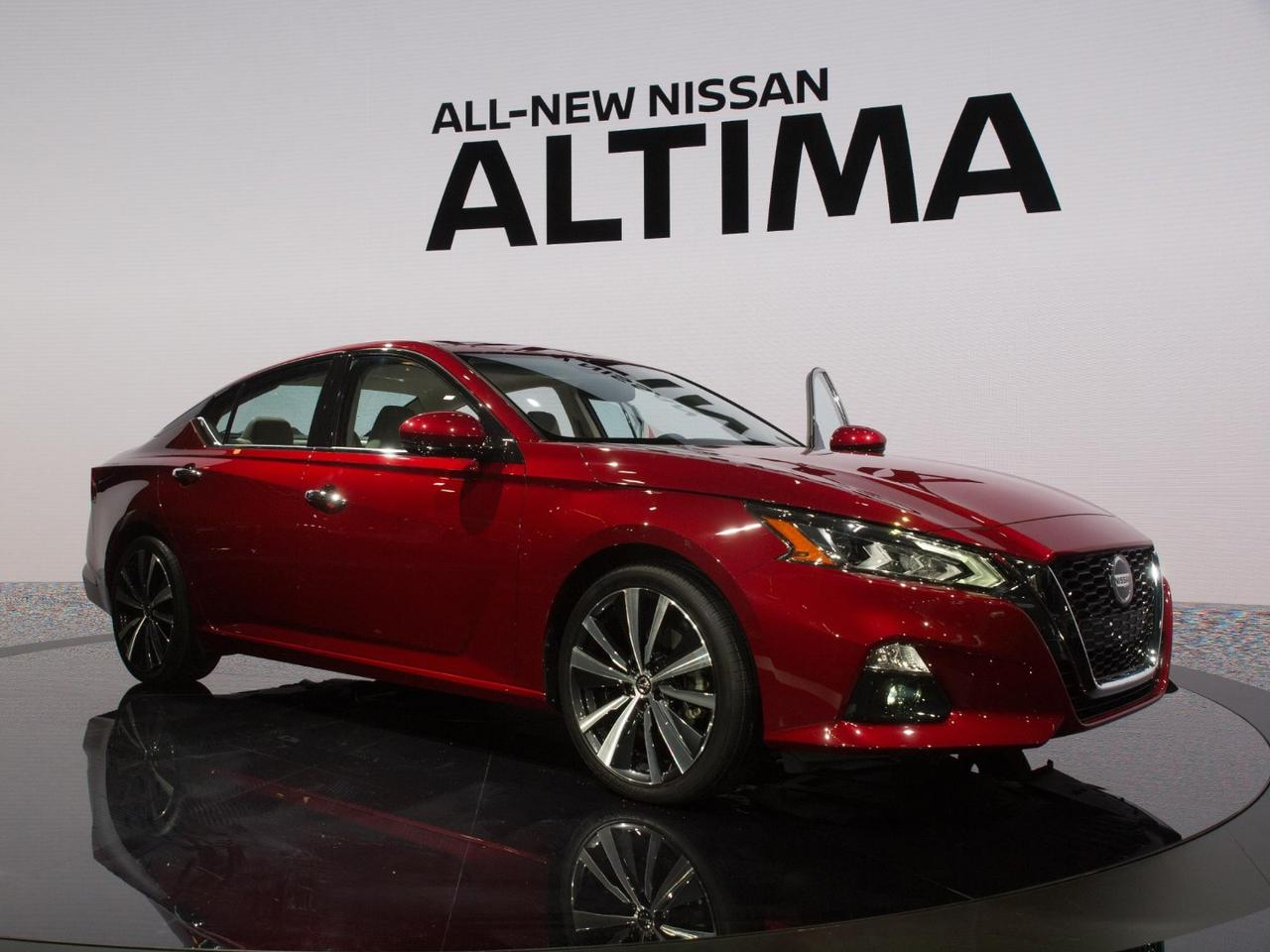 Nissan introduces the sixth-generation Altima