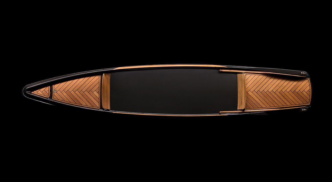 Borromeo & De Silva's Monocoque Paddle Canoe