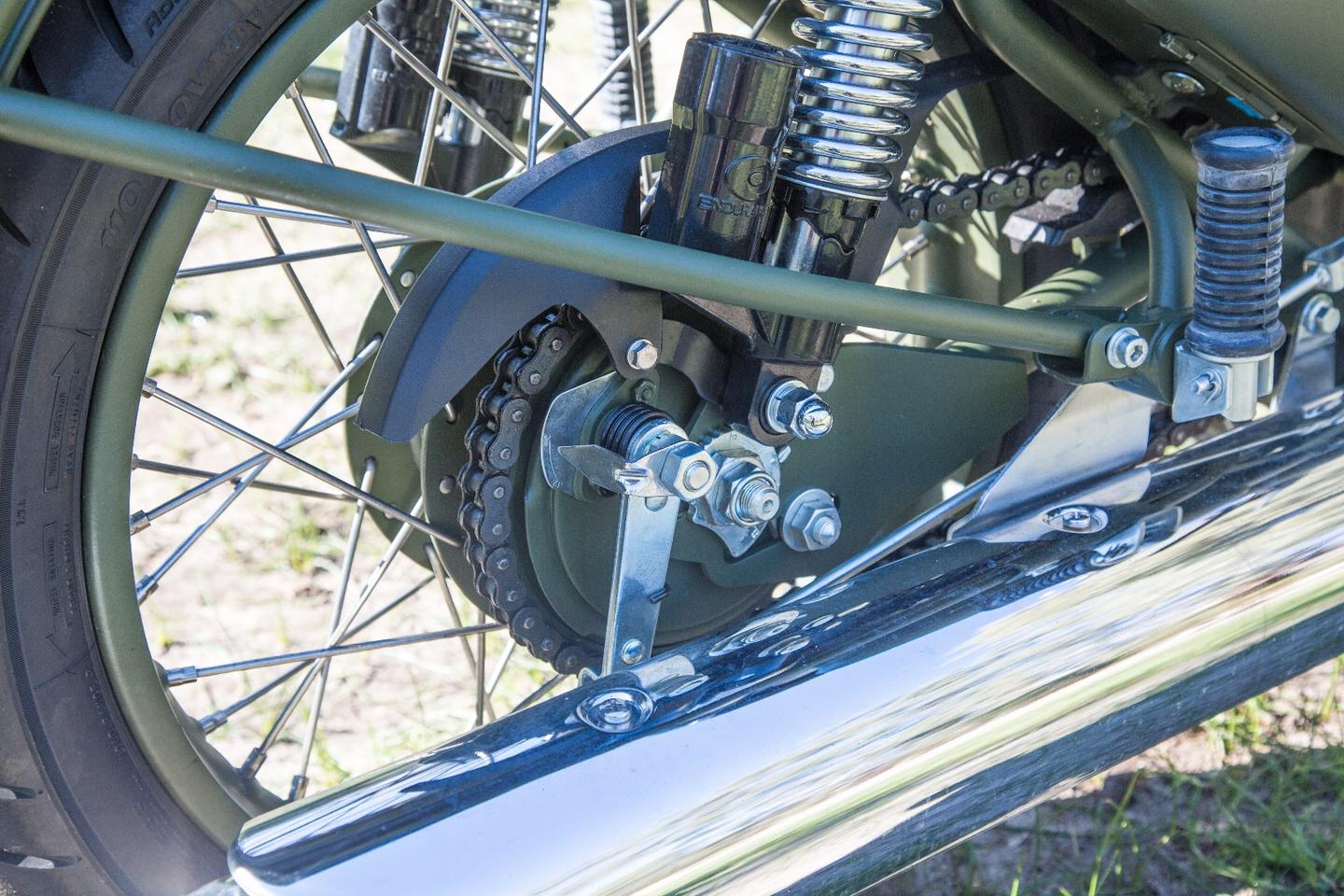 Video review: Royal Enfield's Classic 500 fools people into