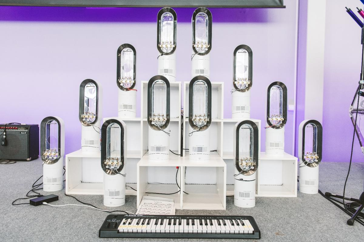 "The Amp-sichord sees a keyboard player control 36 motors that pluck strings mounted within Air Multiplier fans – which act as resonance chambers – to produce ""a harmonious collection of notes"""