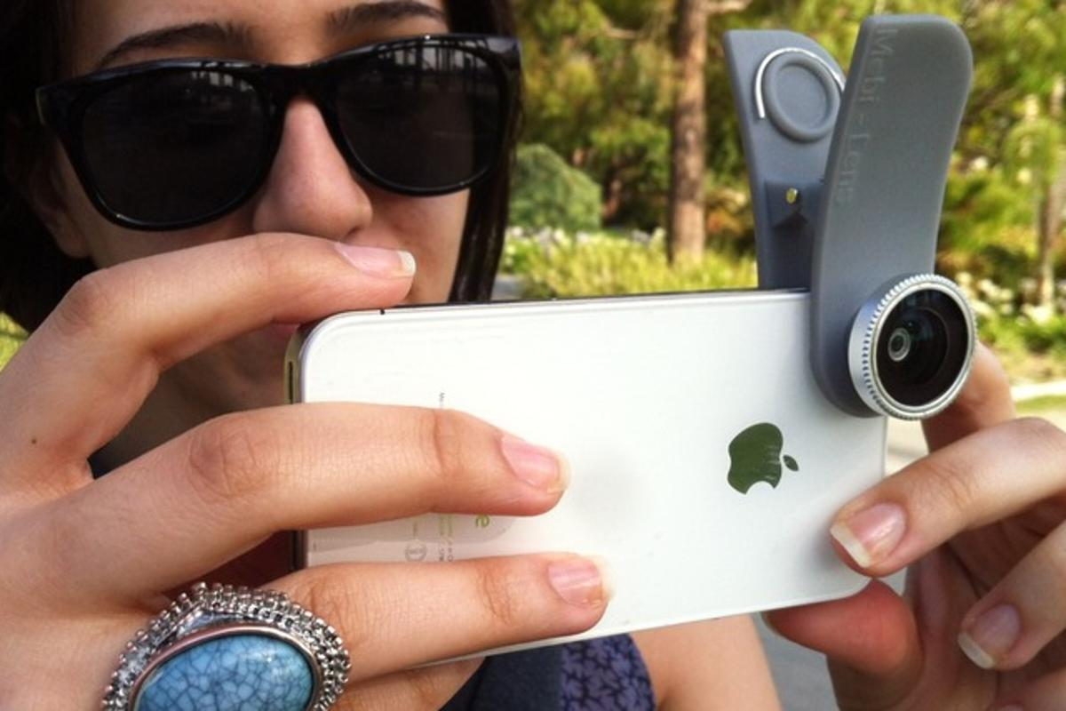The Mobi-Lens attached to an iPhone