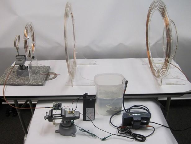 The prototype system, which could lead to one used for wirelessly powering implanted heart pumps (Photo: UW)