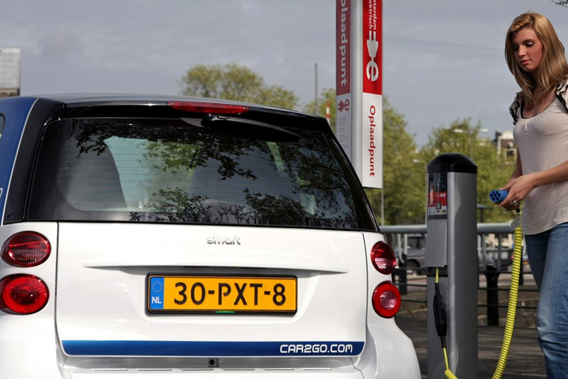 car2go will introduce 300 fortwo electric vehicles to Amsterdam streets later this year