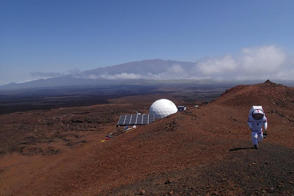 The project sees a solar-powered dome 36 ft in diameter and 20 ft high uses to simulate a Mars habitat