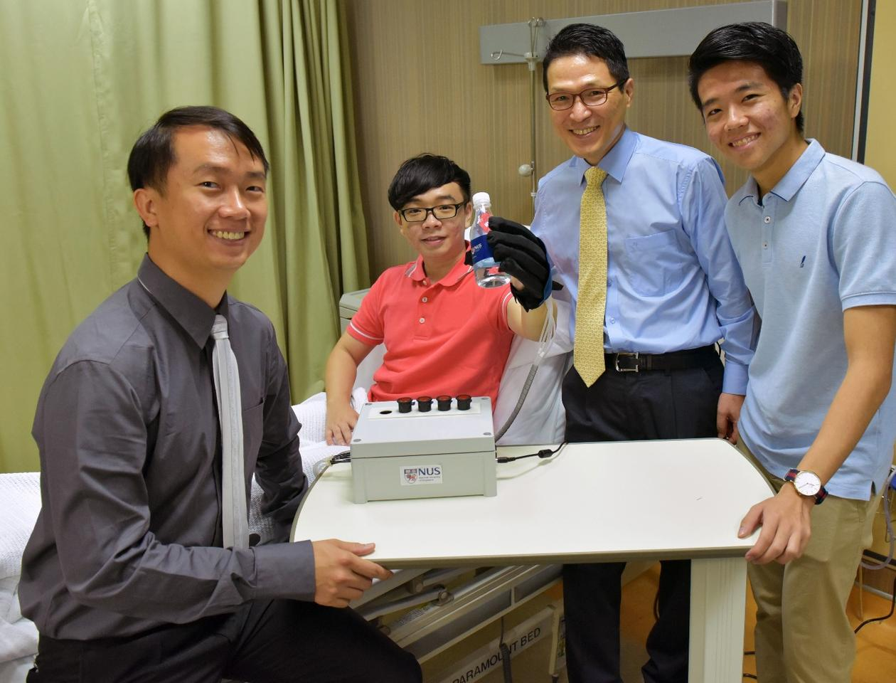 A research team from the National University of Singapore has developed a lightweight and smart robotic glove that helps in rehabilitation of patients who've lost their hand functions through injury or nerve-related conditions