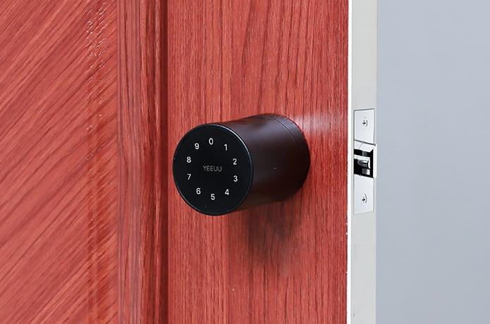 The S1 Smart Lock can be unlocked using passcodes, Bluetooth, fingerprints and a range of other methods